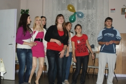 Pokaż album: Karaoke 2011 -  Internat