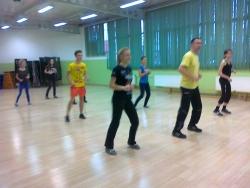 taniec-rekreacjamama w biedronce 004.jpg